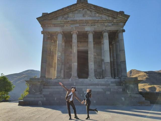 Yerevan: Private Garni Temple and Geghard Monastery Tour