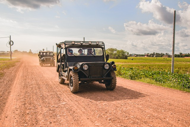 Siem Reap: Countryside Discovery Tour by Jeep