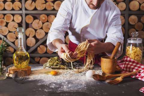 Veneto: Amarone Cooking and Tasting Experience in a Villa