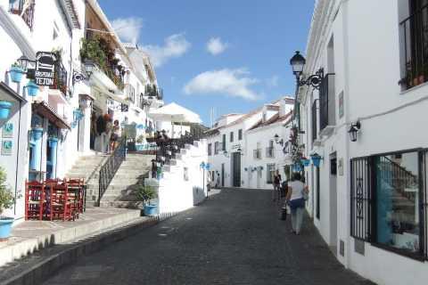 Malaga: Private Day Trip to Mijas