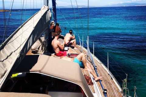 De Atenas: Passeio de barco de dia inteiro à Ilha Egina com almoço