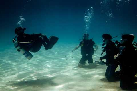 Hurghada: 3-Day PADI Open Water Diving Course with Pickup