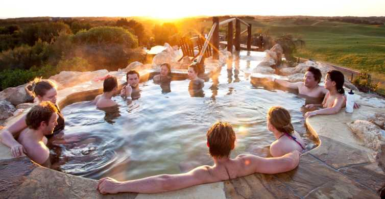 From Melbourne: Day Trip to Peninsula Hot Springs with Lunch