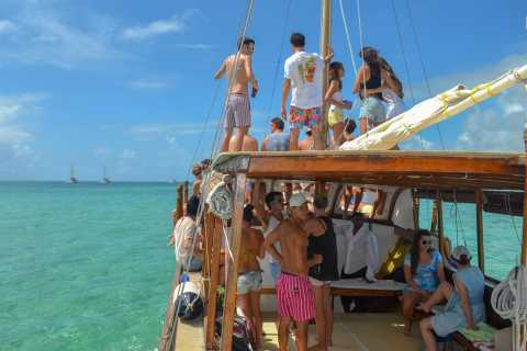Sirene d'or Boat Cruise to Ile aux Cerfs with Lunch