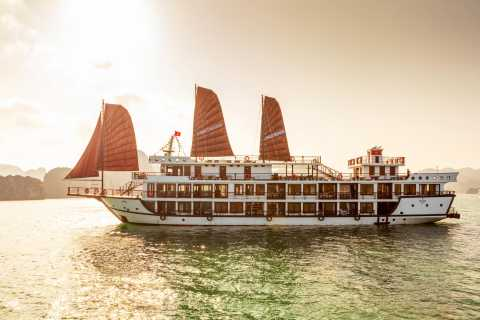 From Hanoi: Lan Ha Bay 2-Day Cruise with Luxury Transfer