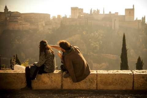 Granada: 3-Hour Alhambra Palaces and Garden Tour