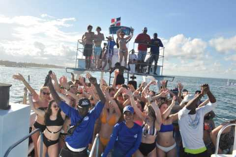 Punta Cana: Sunset Party Boat con Snorkeling