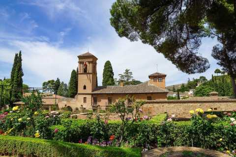 Granada: Private Alhambra- und Downtown-Tour mit Champagner