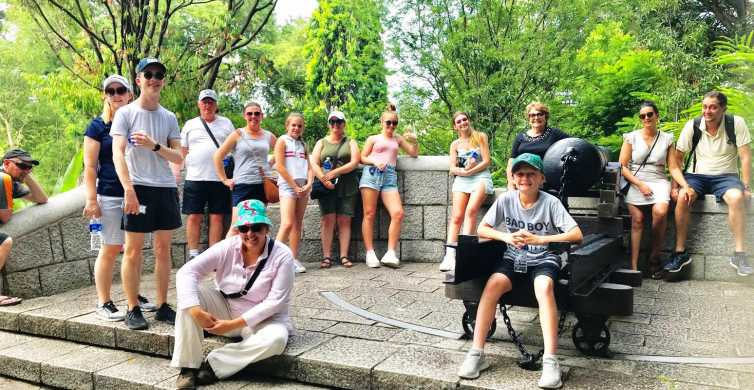 Singapore 2.5-Hour Walking Tour: Graves, Guns & Battles