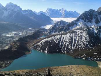 Ab Katmandu: 15-tägiger Gokyo Valley Trek mit Porter