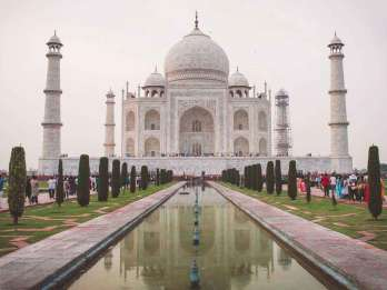 Ab Delhi: Tagestour zum Taj Mahal per Auto