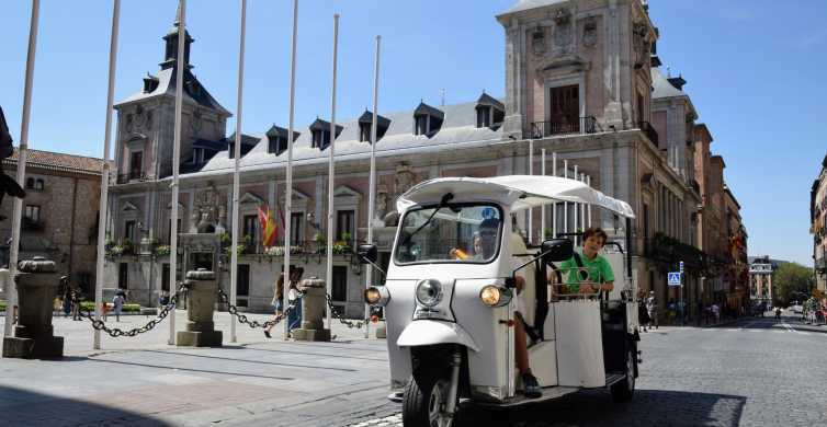 Madrid: Sightseeing Tuk-Tuk Tour for up to 4 People