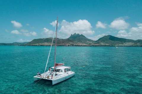 Trou D'eau Douce: Catamaran Cruise to lle aux Cerfs