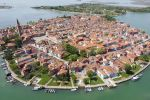 From Venice: 6-Hour Boat Tour of Murano, Burano & Torcello