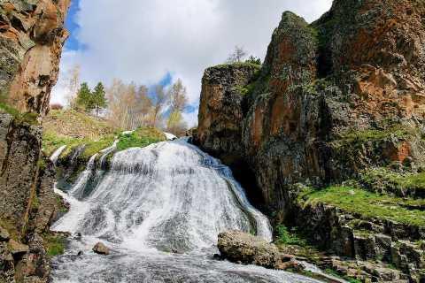 From Yerevan: Khor Virap, Kechut, Jermuk, and Noravank Tour