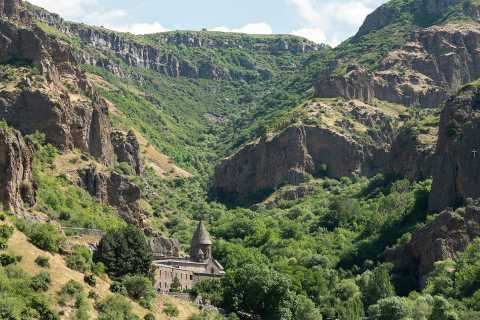Discover Geghard Monastery and Garni temple, half-day trip