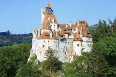 De Bucareste: castelos de Peles e farelo da Transilvânia