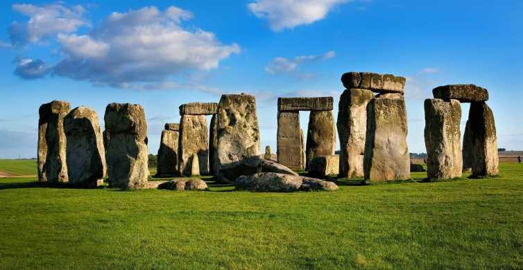 London: Stonehenge Half-Day Morning or Afternoon Tour