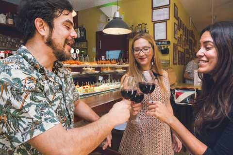 Barcelona: Tapas and Wine Private Tour