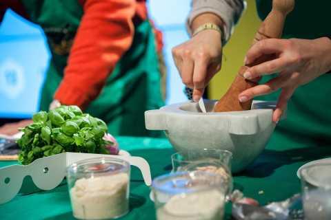 Manarola: Authentic Pesto Making Class in Cinque Terre