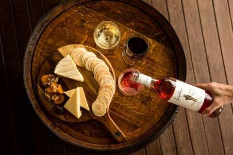 Hunter Valley: 1-Hour Cheese and Barrel Wine Tasting
