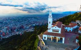 Bogota: 7-Hour City Tour with Gold Museum Visit & Cable Car