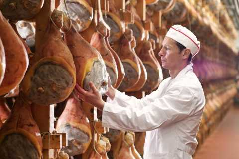 From Parma: Parma Ham Farm Tour and Tasting