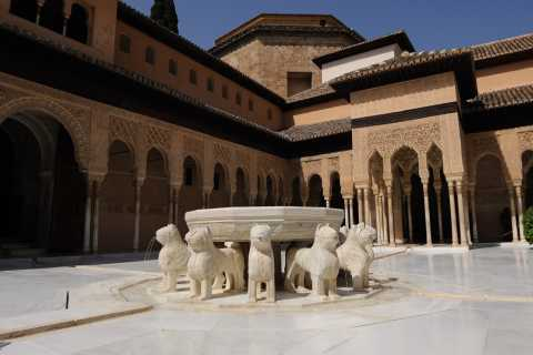 Alhambra Visit and Guided Tour of Albaycin and Sacromonte