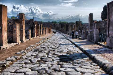 Pompeii VIP: Skip-the-line with your Archaeologist Guide