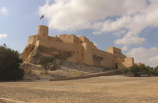 Van Muscat: Nakhl Halve dagtour met audiogids