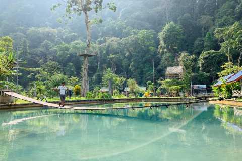 Vang Vieng: Private Tuk Tuk Transfer to Blue Lagoons