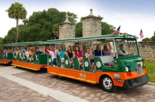 St. Augustine: Hop-On/Hop-Off-Trolley-Bustour