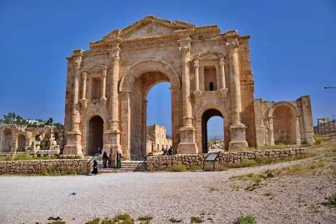 Jerash and Umm Qais Private Tour from Amman