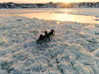 Quebec City: St-Lawrence River Ice Kanu Erfahrung