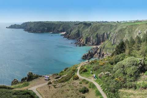 Guernsey: Half-Day Small-Group Coastal Highlights Tour