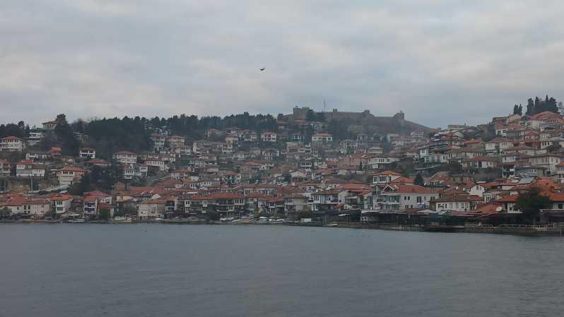 ティラナ:オフリド湖と町の日帰り旅行 - オフリド, アルバニア ...