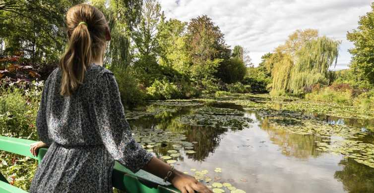 From Paris: Giverny Audio Guide with Painting & Lunch Option