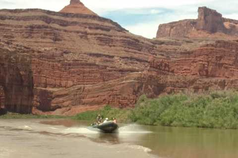 From Moab: Canyonlands 4x4 Drive and Calm Water Cruise
