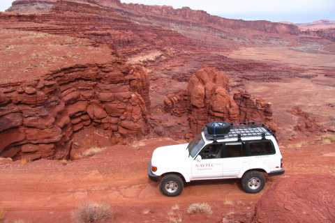 From Moab: Full-Day Canyonlands and Arches 4x4 Driving Tour
