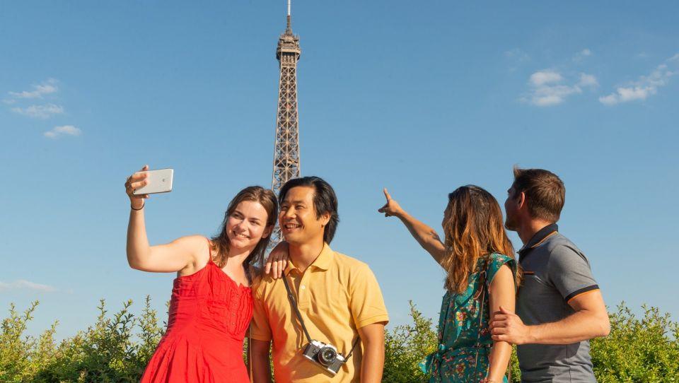 Paris: Eiffel Tower Hosted Tour, Seine Cruise and City Tour