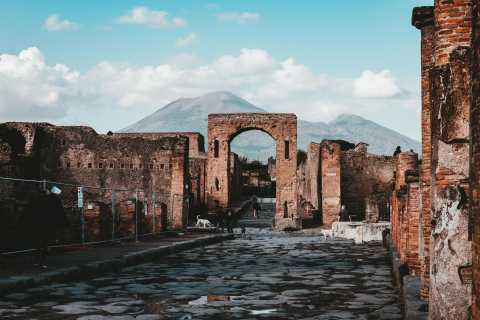 From Naples: Pompeii and Amalfi Coast Private Excursion