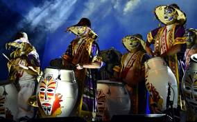 Montevideo: Traditional Carnival Experience