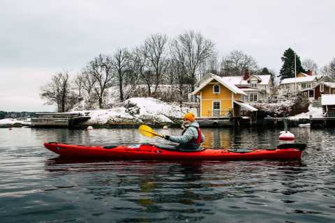 Stoccolma: Winter Archipelago Kayaking Experience