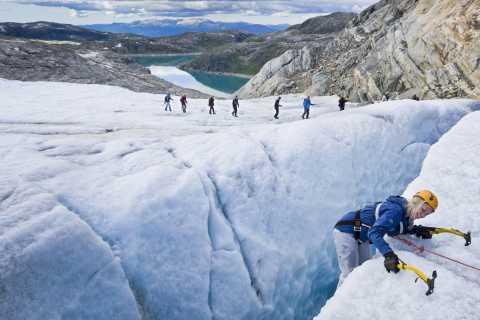 From Bergen: Hardangerfjord & Folgefonna Glacier Hike