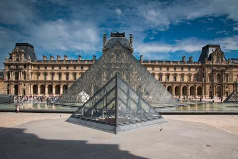 Paris: Louvre Ticket with Audioguide App and Seine Cruise