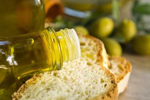 Matera: Guided Olive Mill Tour en Olive Oil Tasting