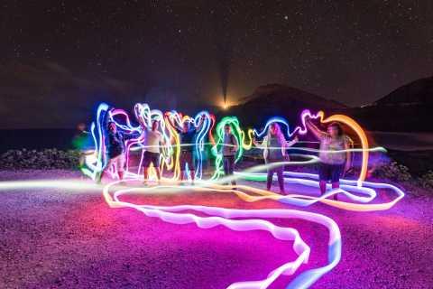Waikiki: recorrido fotográfico y de pintura de luz en el cielo nocturno de Honolulu