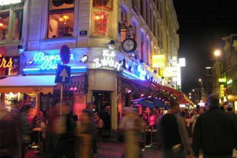 Amsterdam: Rotlichtviertel- und Cafétour auf Deutsch
