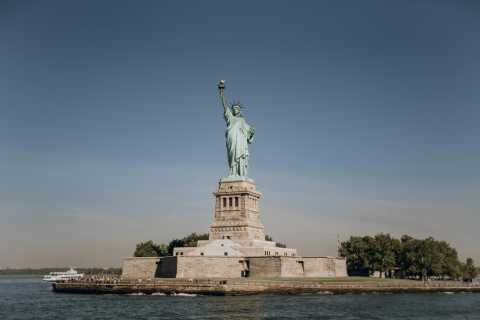 New York: Statue of Liberty and 9/11 Memorial Tour