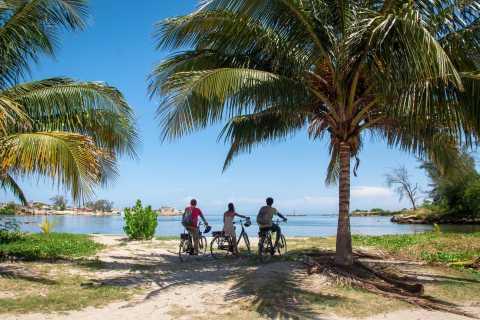 Havana: Guided e-Bike Beach Escape